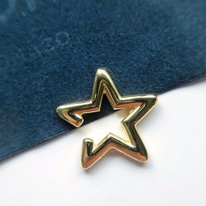 Apm Monaco FUN Single Pentagram Earrings